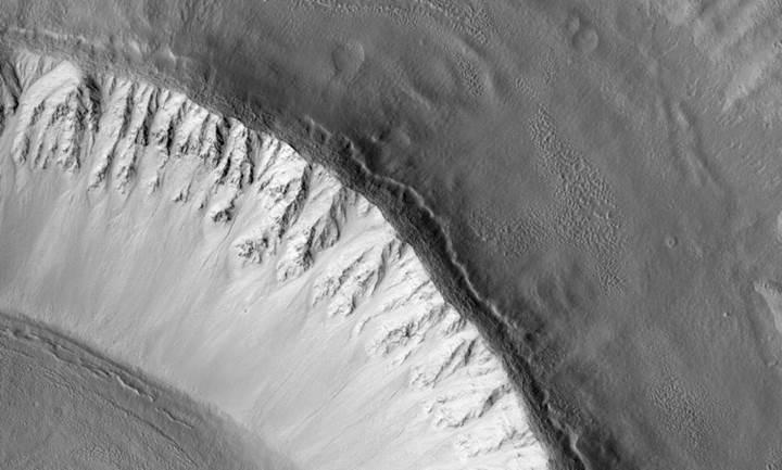 Mars'ta bulunan dev buz kütlesi yerleşimcilerin işini kolaylaştırabilir
