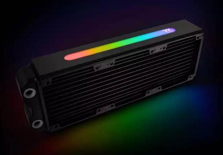 Thermaltake ilk RGB aydınlatmalı radyatörünü sunar