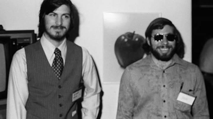 Steve Jobs'un iş başvurusunda doldurduğu form 174 bin dolara satıldı