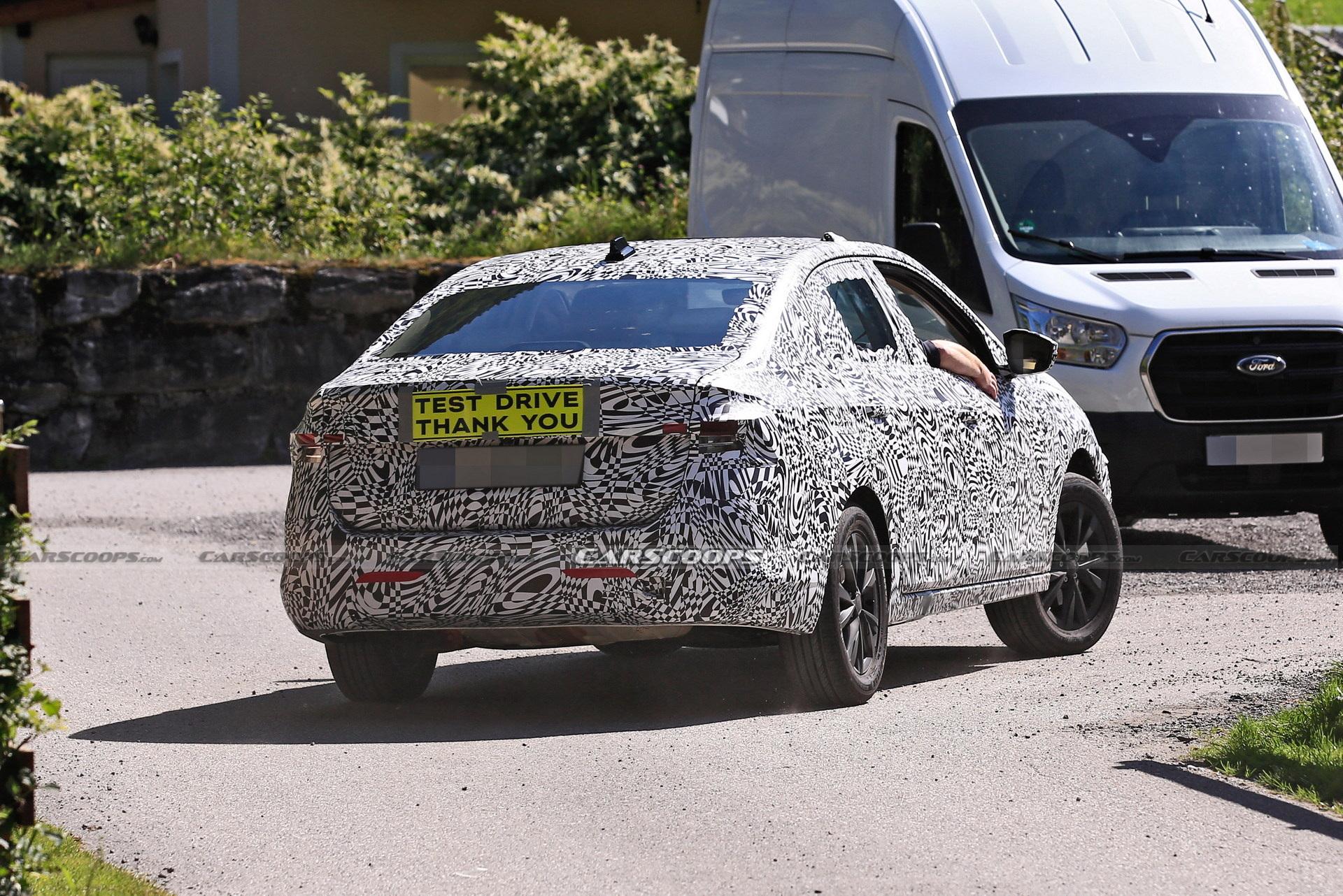 Skoda'nın yeni kompakt sedan modeli Slavia'dan ilk teaser geldi